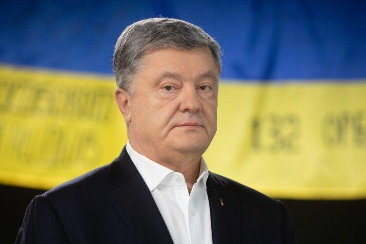 Петро Порошенко в інтерв'ю «Радіо Свобода»: «Путін відповідальний за тисячі смертей в Україні»