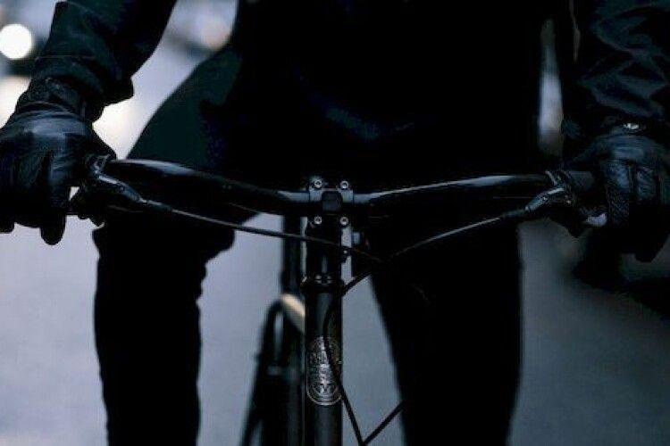 На Волині в дитини вкрали велосипед з-під музичної школи