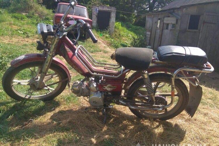 На Горохівщині чоловік вкрав в односельця мотоцикл і думав, що той не знайде