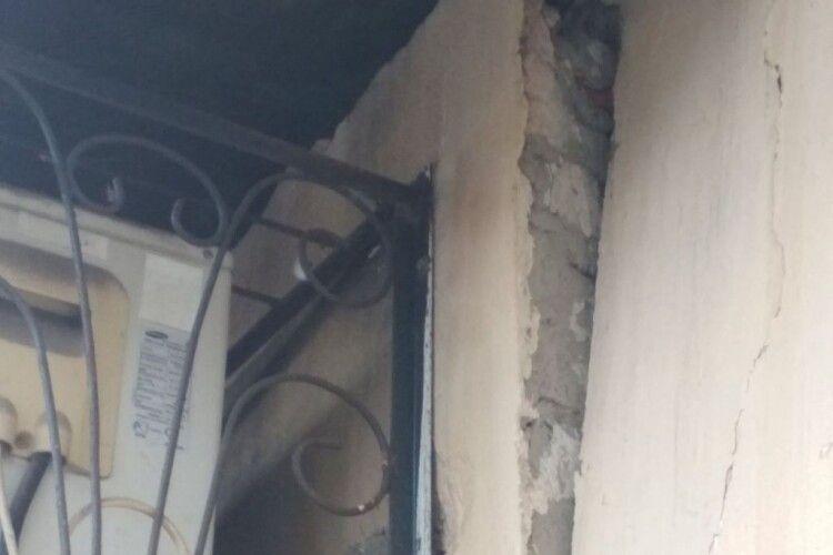 У Володимирі через масивний кондиціонер може завалитись стіна