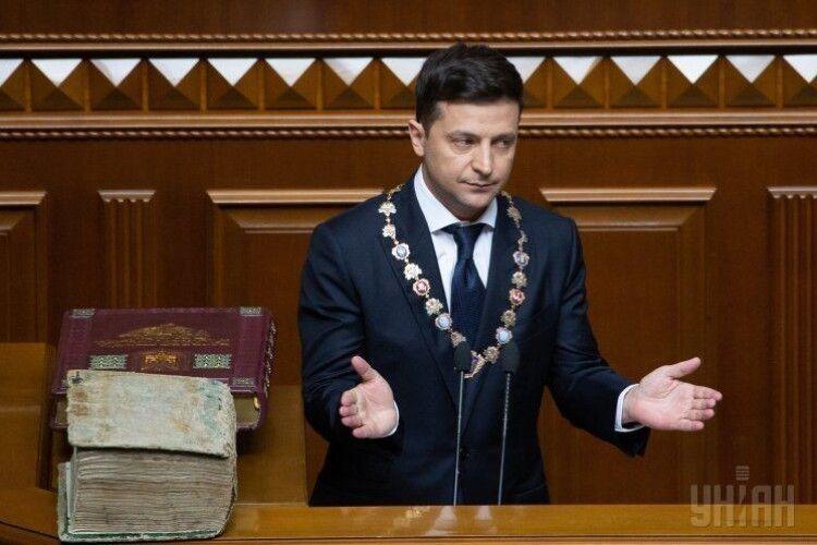Коли вирішувалась доля Харківських угод - Зеленський виступав перед Януковичем та Медведєвим (Відео)