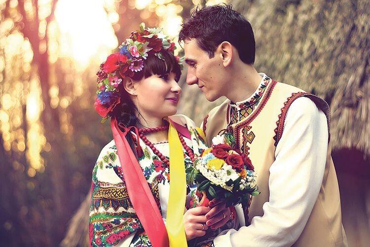 Перша шлюбна ніч українців:  чому після неї на наречену могли одягнути ярмо