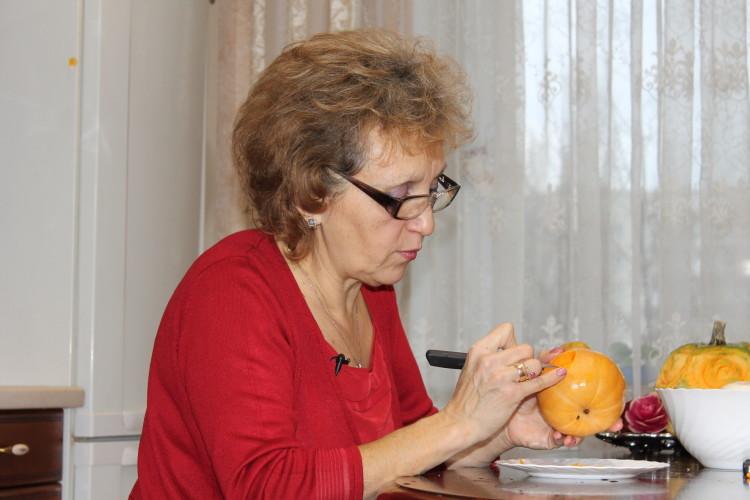 Мистецтво художньої різби по фруктах