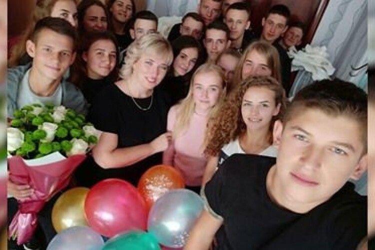 Перший онлайн і останній дзвінок зі школи села Сошичне  (Відео)