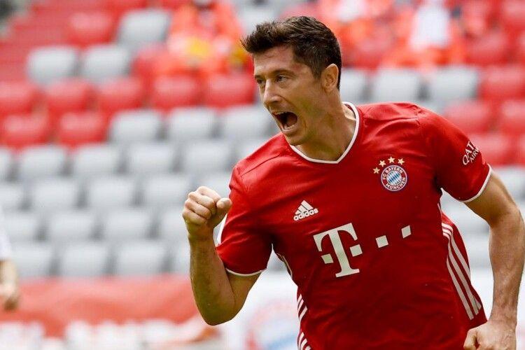 Польський забивайло Роберт Левандовськийвстановив рекорд і став найкращим гравцем Бундесліги