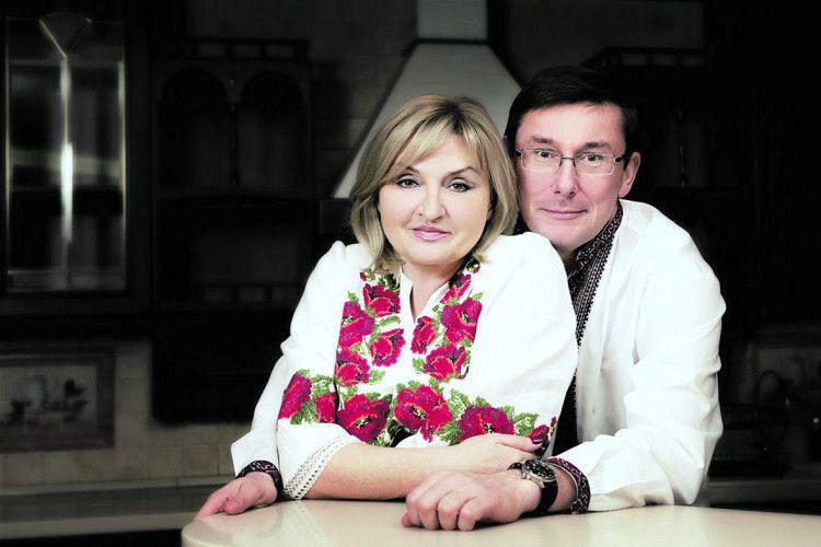 Генпрокурор помилково «зробив» дружину доларовою мільйонеркою
