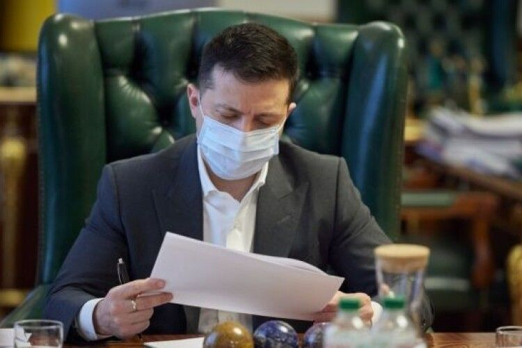 Зеленський ввів у дію рішення РНБО про санкції щодо Медведчука