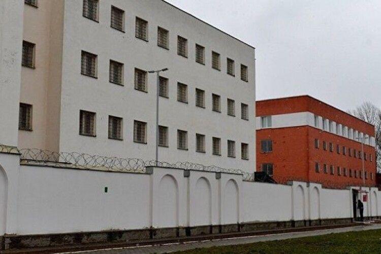 З СІЗО в Білорусі масово випускають затриманих на мітингах людей