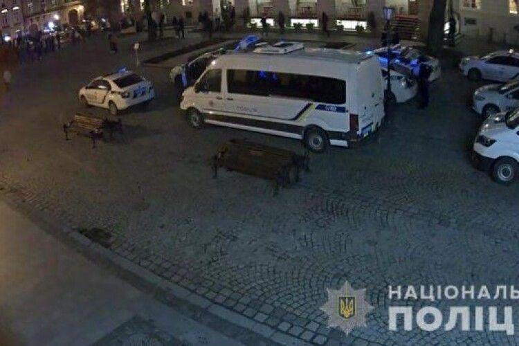 У центрі Львова побилися українські і французькі фанати