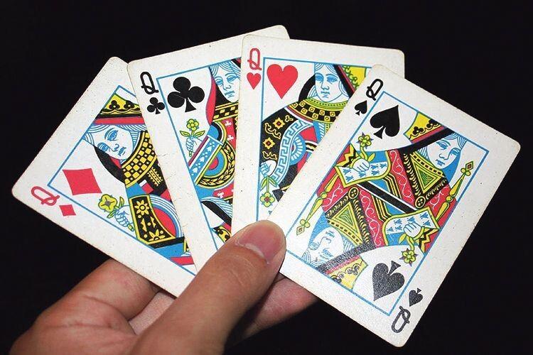 «Класична колода із 52 карт лежала  в мене нерухомо десь так років із 30…»