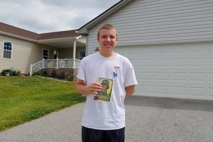 За допомогою дронів доставляють школярам книги з бібліотеки