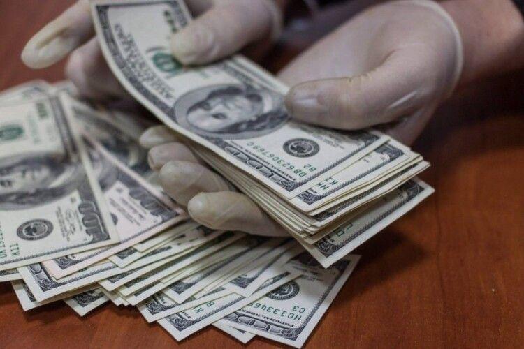 Волинський підприємець змушений був брати 9тисяч доларів– і нести хабар