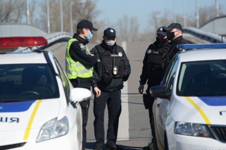 П'яний водій ВАЗа намагався наїхати на блокпості на лейтенанта Зеленського