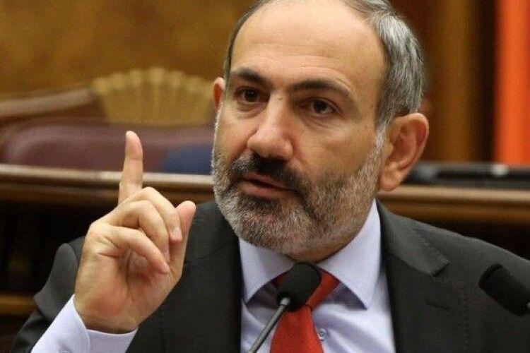 Президент Вірменії поскаржився Путіну на Азербайджан і попросив військову допомогу