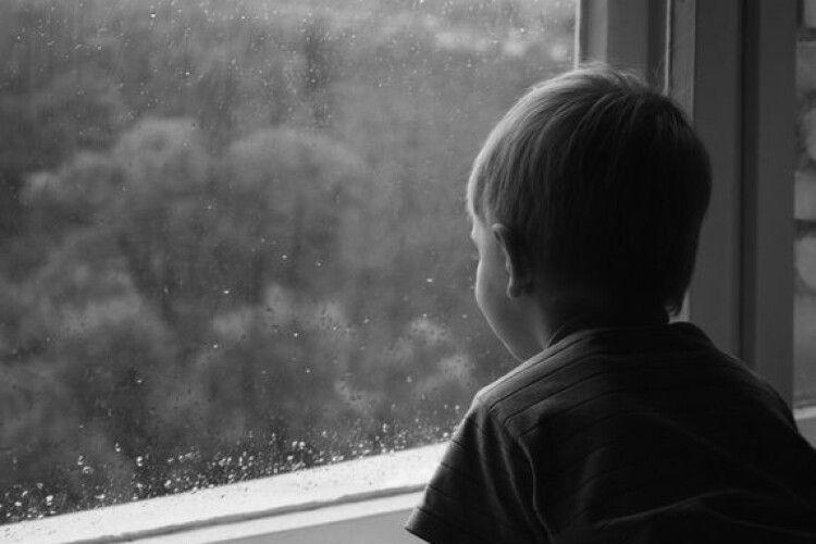 13-річний хлопчик вистрибнув з вікна після сварки з мамою