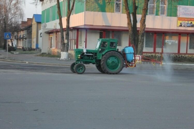 У Старовижівській громаді почали дезинфікувати вулиці