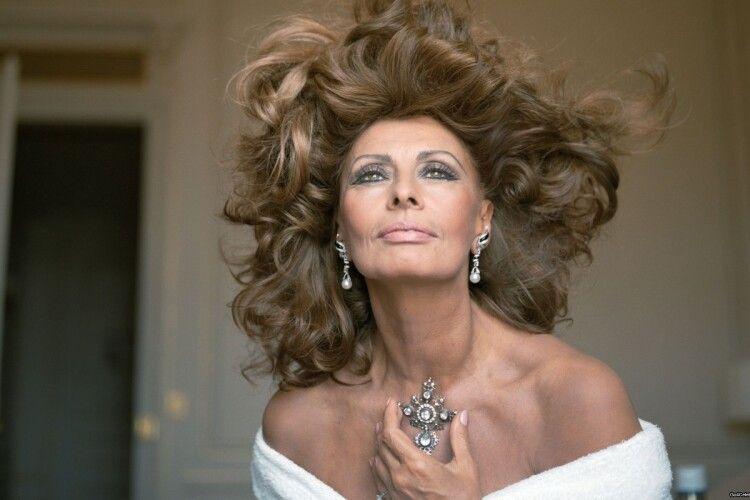 «Не можуть бути красивими очі, які ніколи не плакали», – 86-річна Софі Лорен