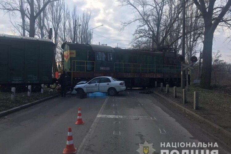 Водій «Ланоса» загинув у результаті зіткнення з локомотивом (фото)