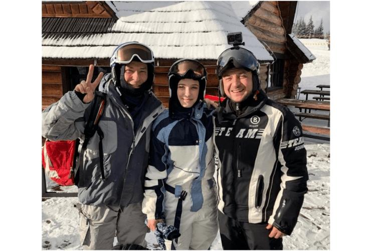 Зеленський катається на лижах у Буковелі