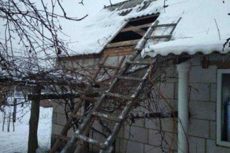 На Любешівщині горів цегляний будинок