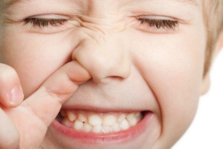 Колупайся в носі, наминай шмарклі – вбережешся від хвороб?!