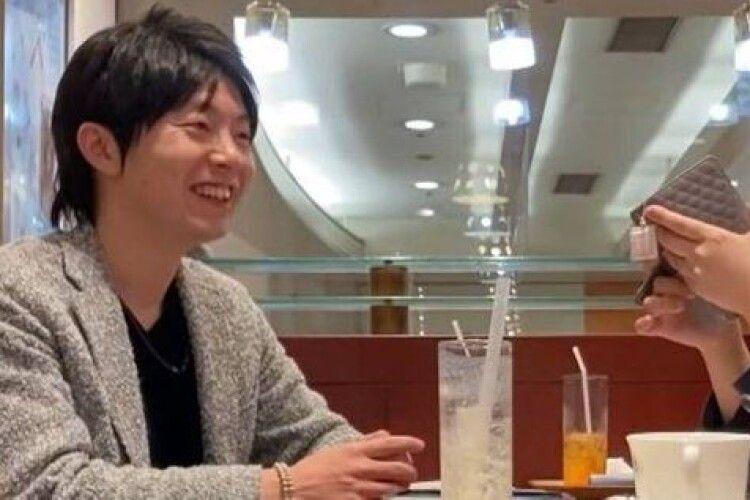 Японець завів стосунки одночасно з 35 дівчатами заради подарунків