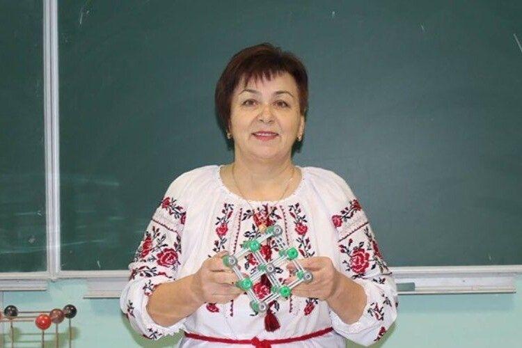 Президент присвоїв волинській вчительці звання «Заслужений вчитель України»