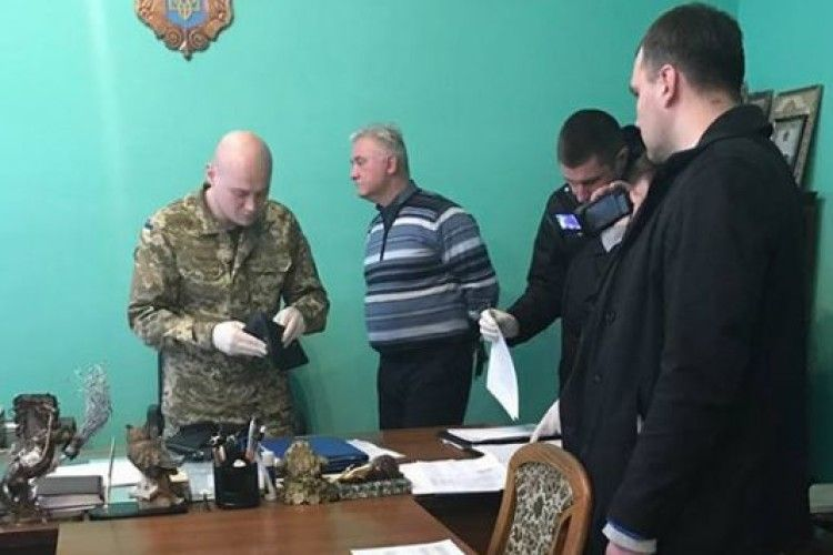 Начальника Львівського СІЗО упіймали на хабарі