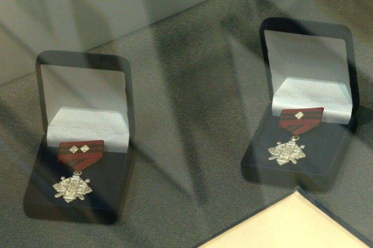 У Рівному експонують повстанські нагороди за ескізами Ніла Хасевича
