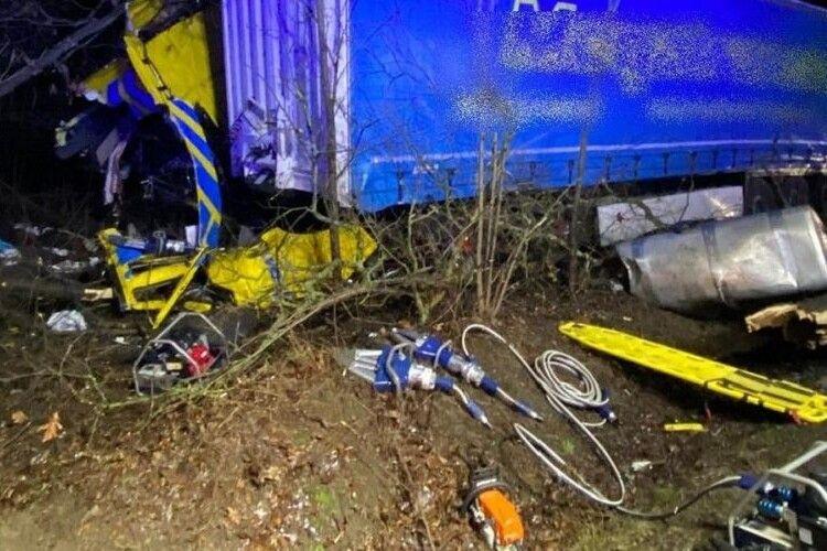 У Польщі в ДТП загинув далекобійник з України