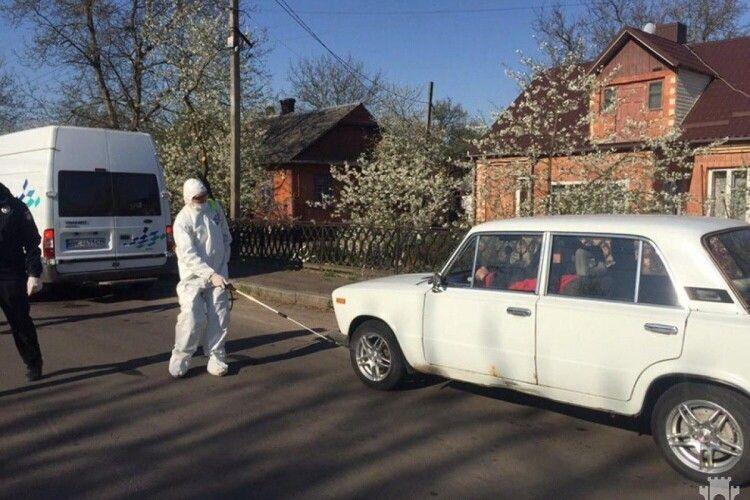 Біля села на Рівненщині, де захворіла 91 людина, зняли блокпости