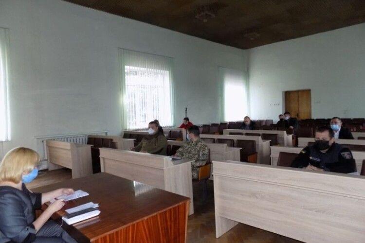 Краще пізно, ніж ніколи: місцева влада Любешівщини 25 травня вирішила не послаблювали карантин з 22 травня