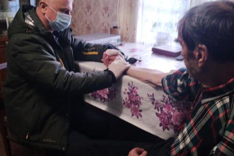Мобільний ФАП: жителів Луцького району, яким за 80, обстежуватимуть вдома