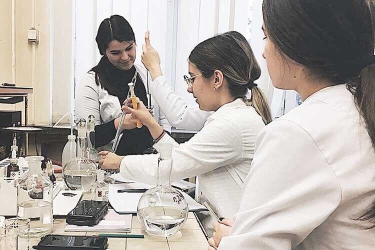 Початок твого особистого успіху— факультет хімії, екології тафармації Університету імені Лесі Українки