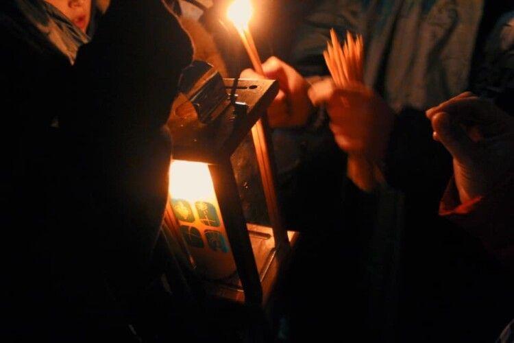 Відомо, коли відбудеться передача Вифлеємського вогню жителям Луцька