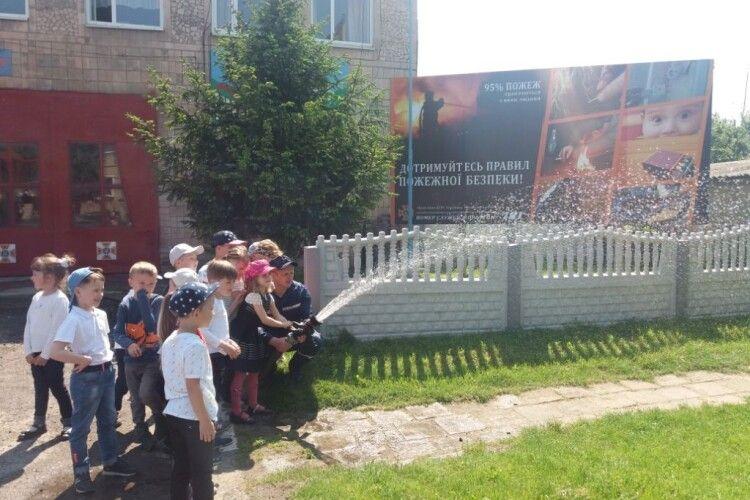 У Ківерцях – нашестя дітлашні на пожежну частину (фото)
