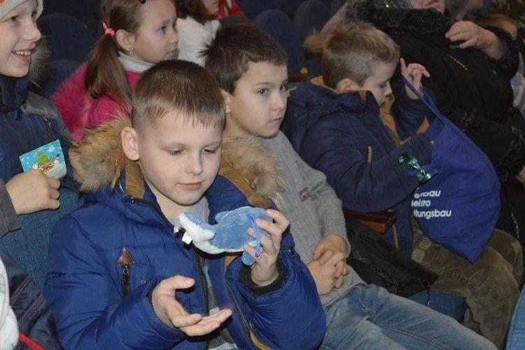 Німецькі доброчинці приїхали з подарунками до ковельський дітей