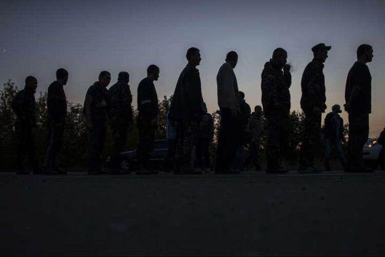 Річниця обміну: у катівнях бойовиків на Донбасі залишається 251 українець