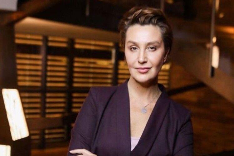 Скандальна телеведуча Єгорова заявила, що попередня влада «продала країну і зробила її приватною компанією в Америці»