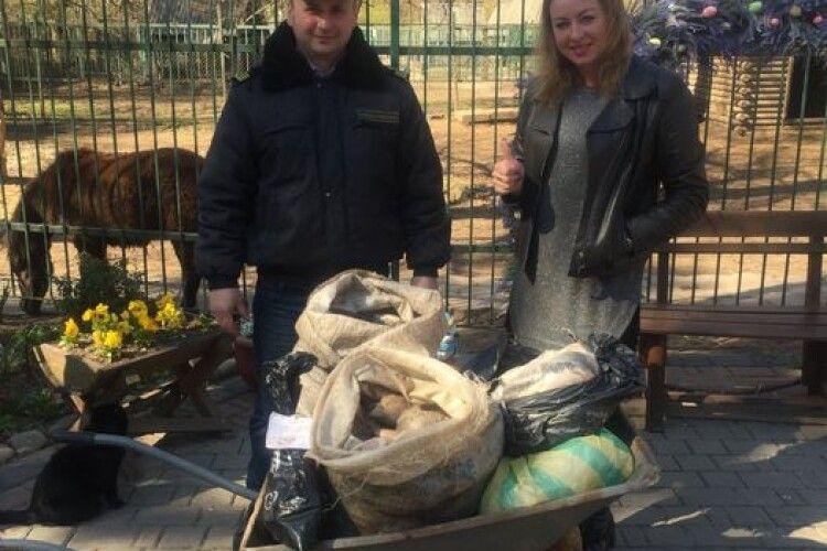 Пеліканам Луцького зоопарку перепало 90 кг браконьєрської риби