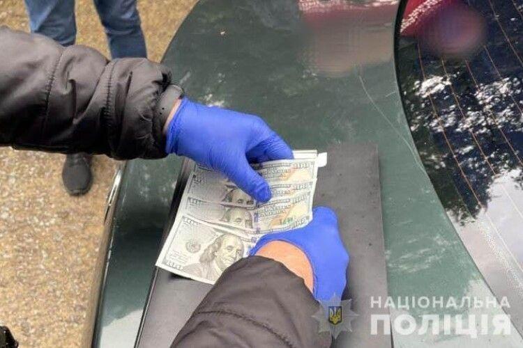 У Вараші на Рівненщині водій-алконавт пропонував полісменам 500 «баксів» (Фото)