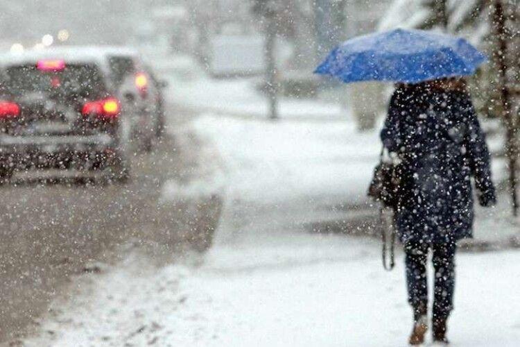 Погода на вівторок, 16 березня: дощ зі снігом, північний вітер