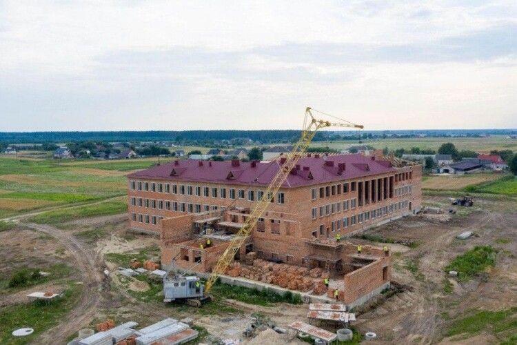 У Башликах Ківерцівського району будують школу на майже 400 учнів