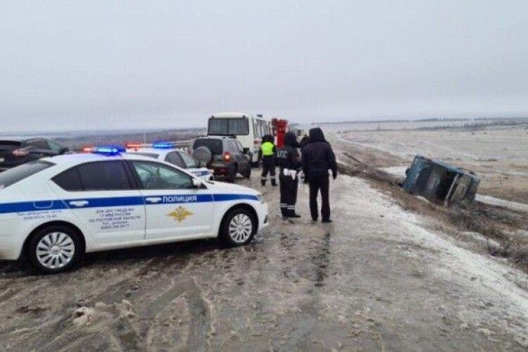 Їхали до окупованого Донецька: у Росії в ДТП загинули двоє українців, ще двоє - поранені