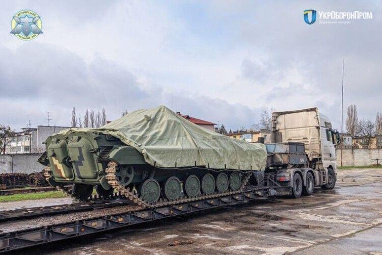 Житомирський бронетанковий завод передав на фронт чергову партію БМП
