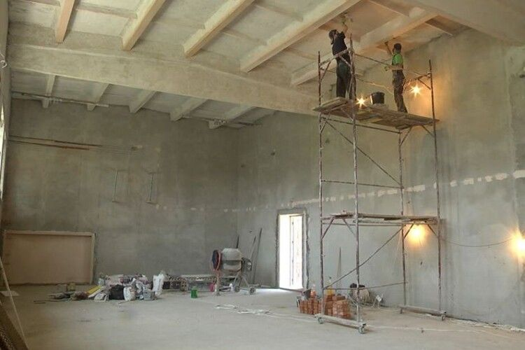 У Ковельській міській гімназії капітально ремонтують спортзал