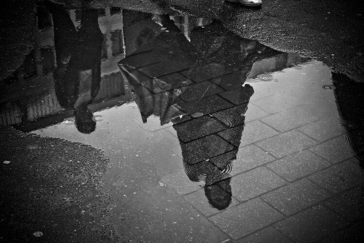 Готуйте куртки та парасольки: тиждень в Україні буде холодним й дощовим