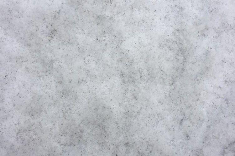 Чорний сніг налякав сусідів електростанції
