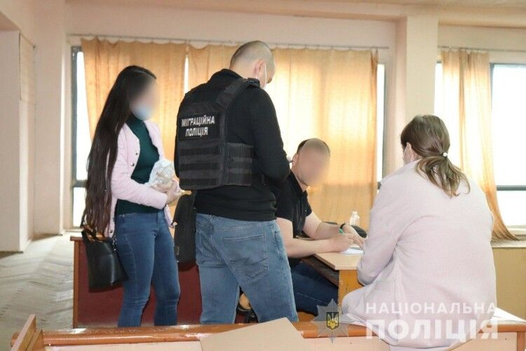 Студенти-медики в Ужгороді відправляли на іспити інших людей