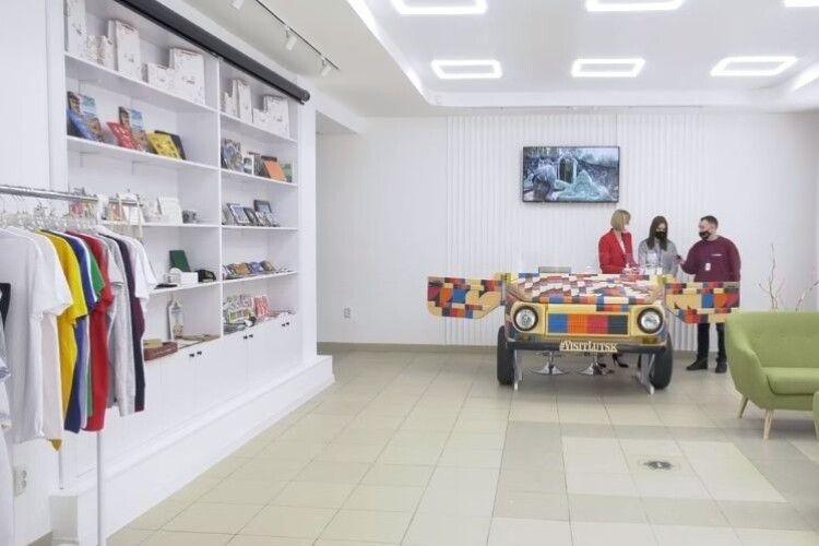 У Луцьку після капітального ремонту відкрили Центр туристичної інформації та послуг